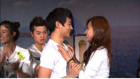 มินโฮ (Min Ho) จากวง SHINee และยูริ (Yuri) จากวง SNSD