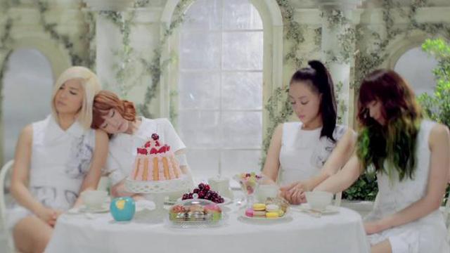 MV Oh Dance SKARF
